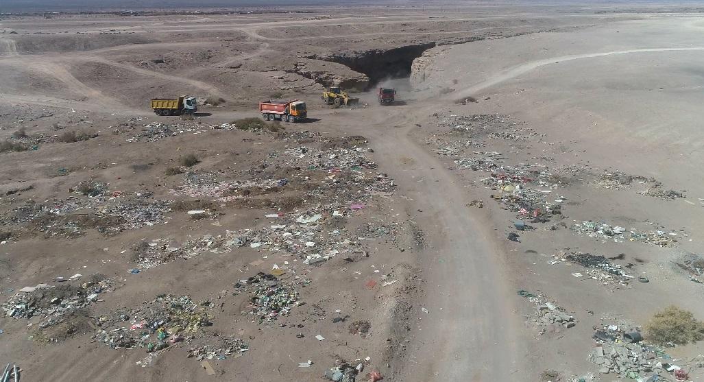 Más de 600 toneladas de escombros son retirados en operativo sanitario realizado por Municipalidad de Calama y Seremi de Medio Ambiente
