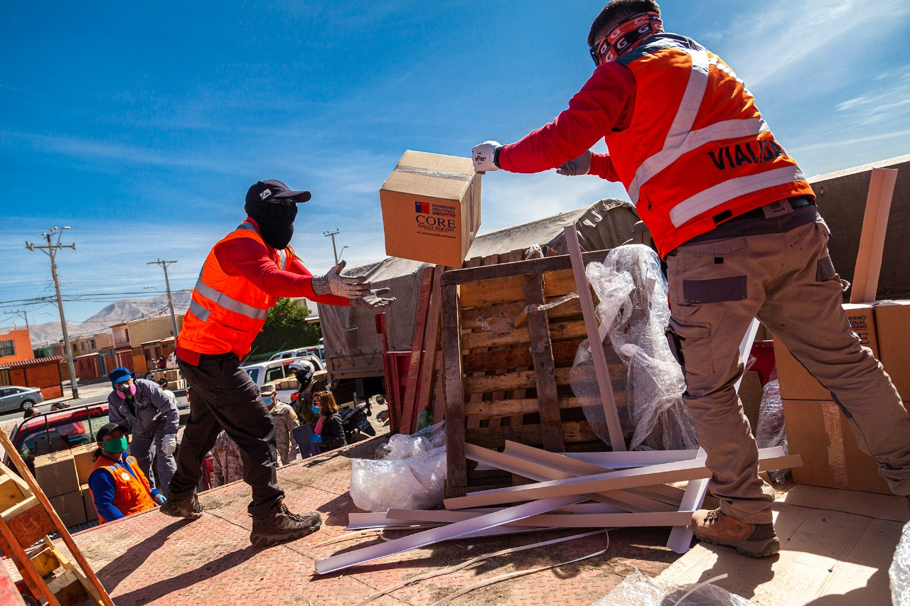 GOBIERNO CONTINUÓ ENTREGA DE CANASTAS FAMILIARES EN CALAMA,  BAQUEDANO Y SIERRA GORDA
