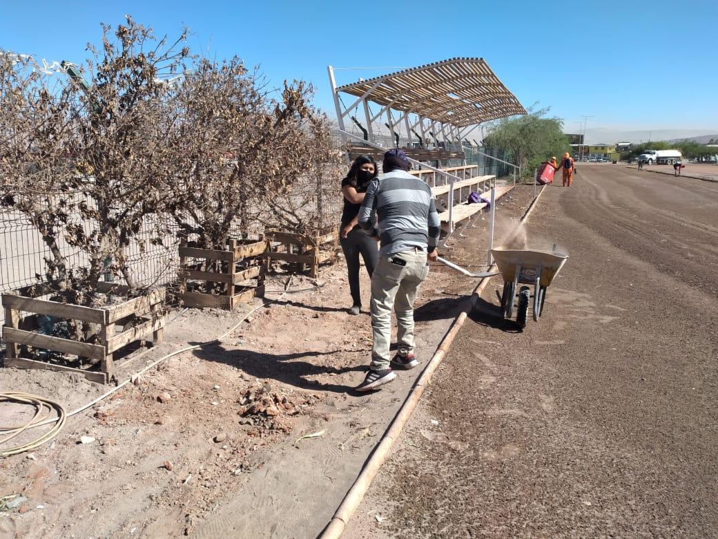 """Realizan exitoso operativo de limpieza a la """"Cancha Roja"""" para lograr su pronta reapertura en Calama"""