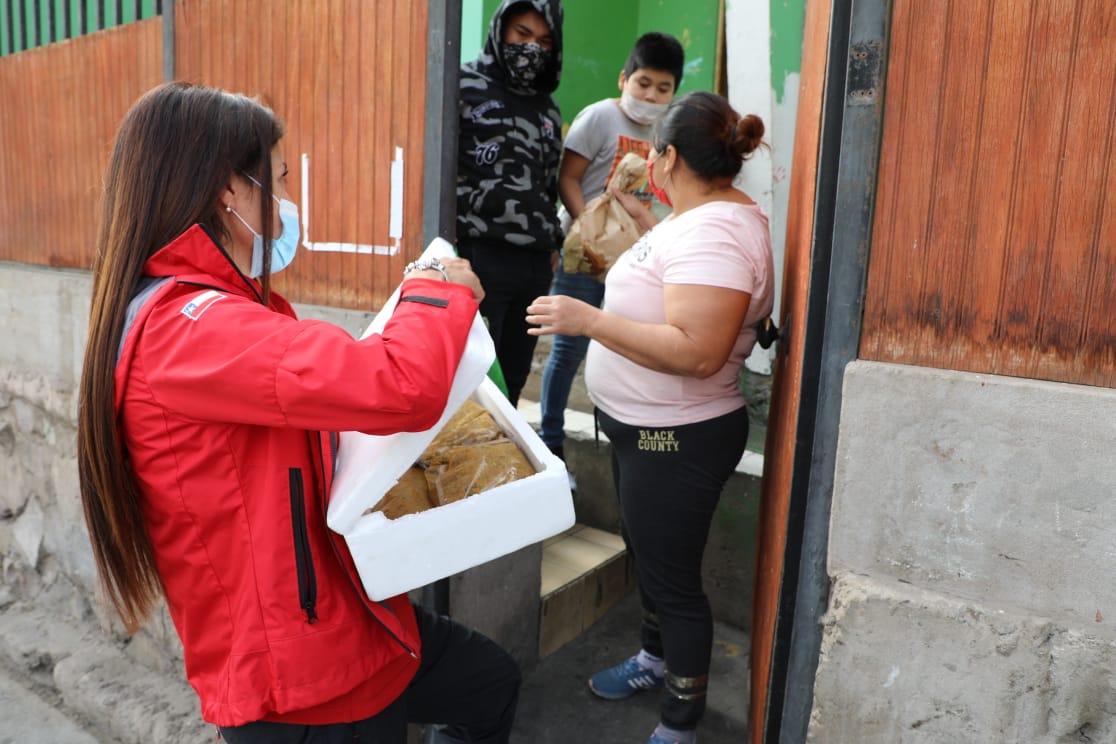 MUNICIPIO ENTREGA ALMUERZOS A FAMILIAS ANTOFAGASTINAS