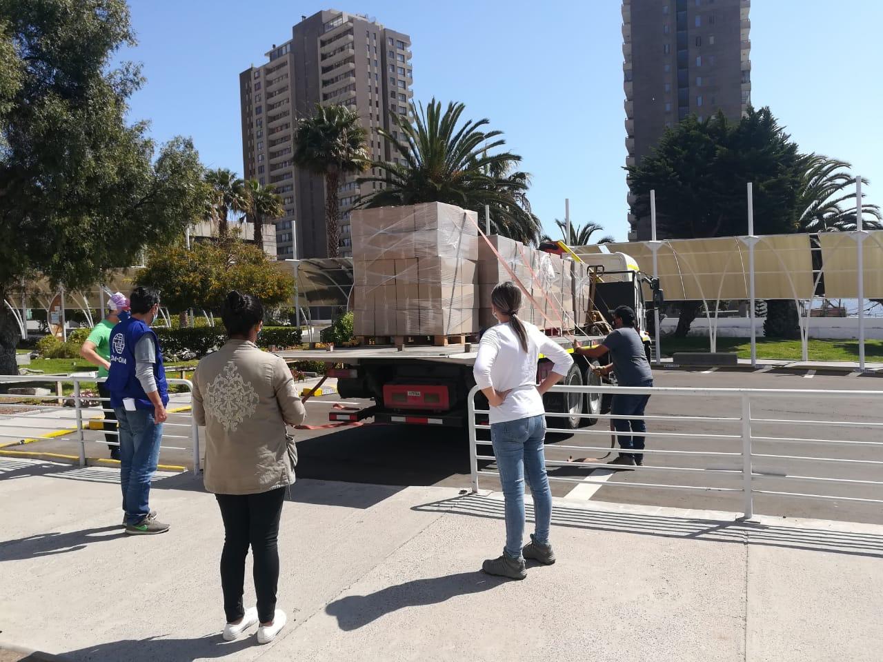 AIA impulsa campaña con sus empresas socias y entrega cajas de alimentos a familias vulnerables de la región