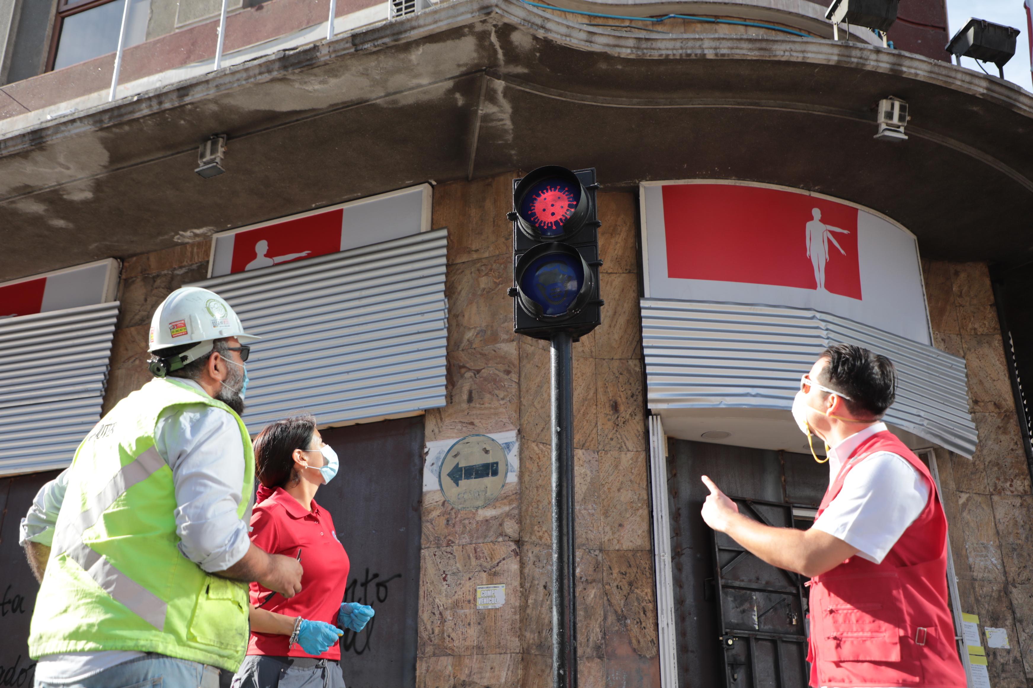 MUNICIPALIDAD IMPLEMENTA MEDIDAS PREVENTIVAS PARA RESPETAR EL DISTANCIAMIENTO SOCIAL EN EL CENTRO DE LA CIUDAD