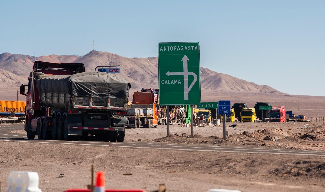 Reubicarán animitas de Ruta 25 por construcción de doble vía a Calama