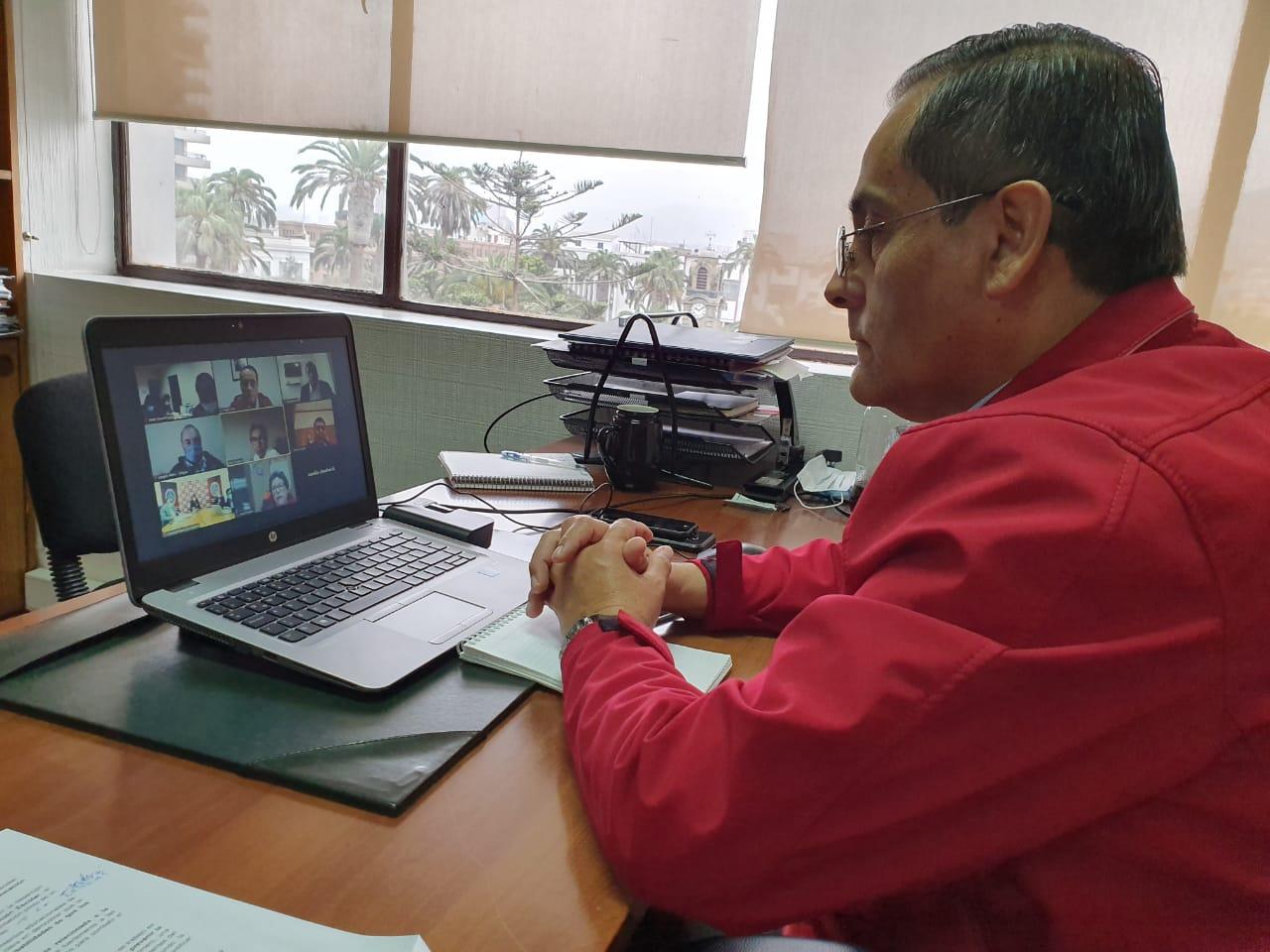 ALCALDES DE LA REGIÓN CONVERSARON CON MINISTRO DE EDUCACIÓN PARA ABORDAR LA CONTINGENCIA EDUCACIONAL