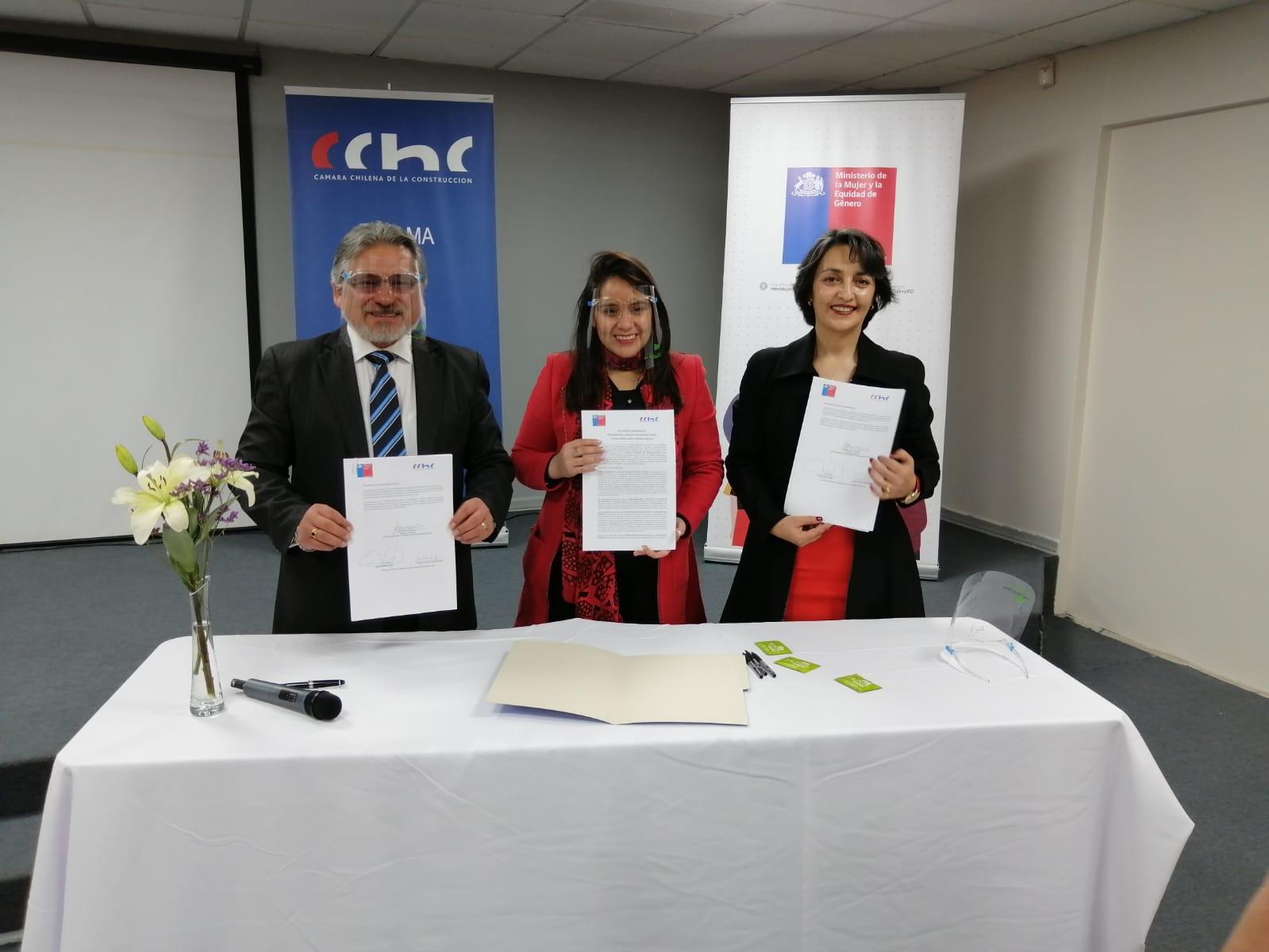 Mayor incorporación de mujeres en la construcción es el objetivo de importante firma de convenio