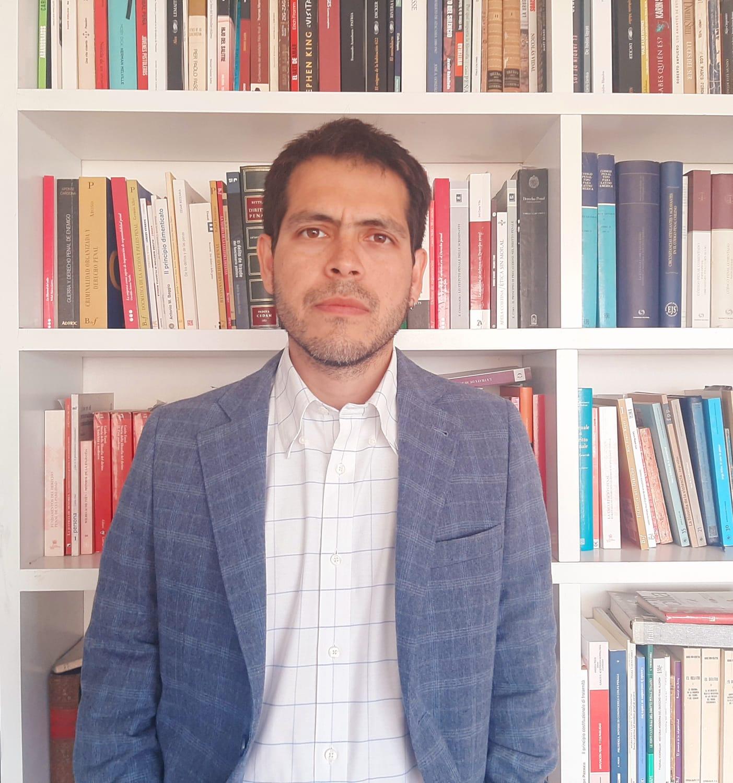 Experto investiga alcances del derecho penal en el trabajo de migrantes en Chile
