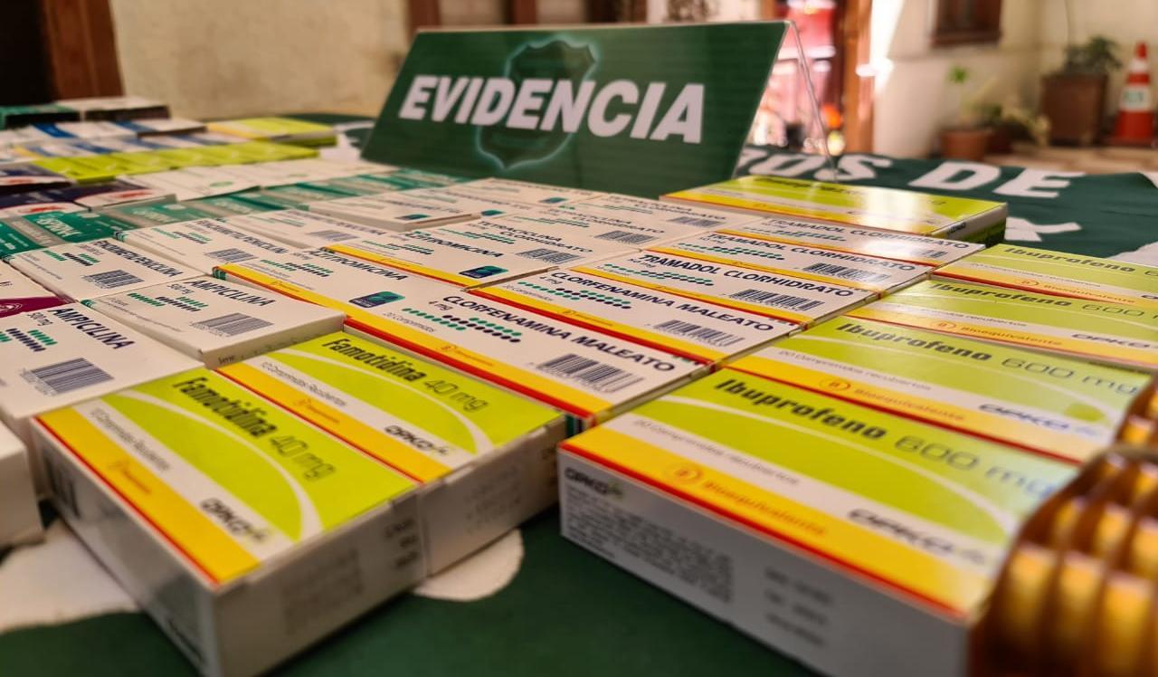 Carabineros sorprende venta ilegal de fármacos en feria rotativa