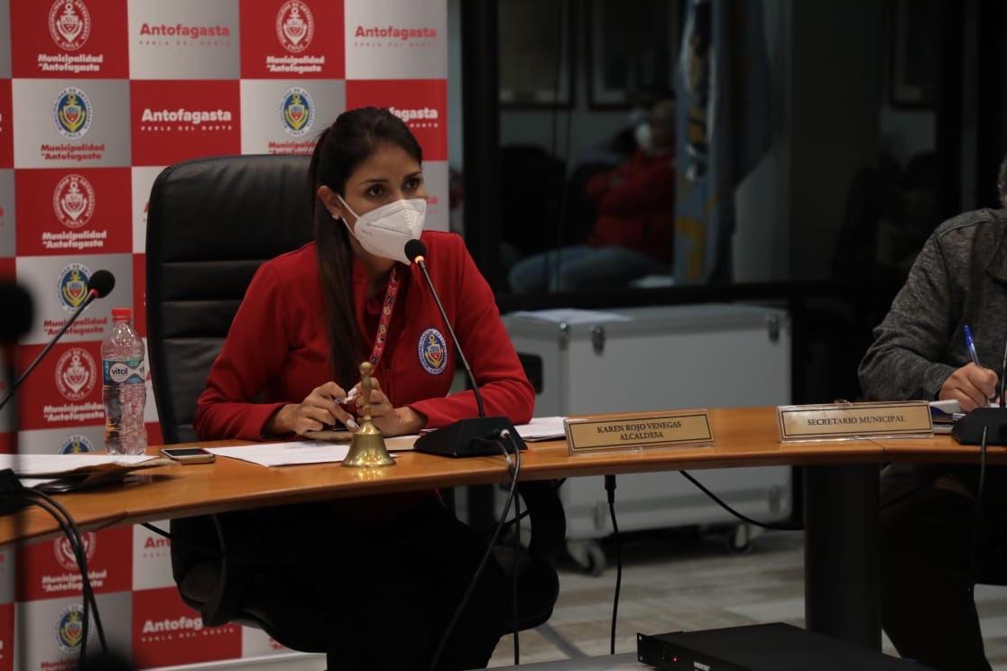 """ALCALDESA ROJO: """"EL GOBIERNO REGIONAL NO HA ESTADO A LA ALTURA PARA ENFRENTAR ESTA PANDEMIA"""""""