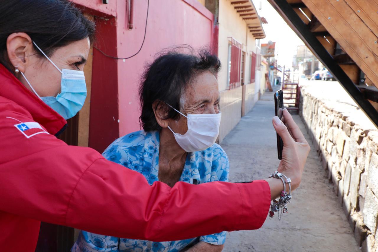FAMILIA EN BOLIVIA LOGRA CONTACTAR A VECINA DE 80 AÑOS GRACIAS AL MUNICIPIO