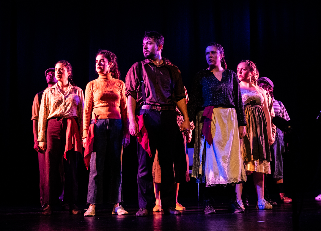 """Con """"Víctor Jara, un canto libre"""" inicia este lunes el X Festival Nacional de Teatro de Calama, FENTIC 2021"""