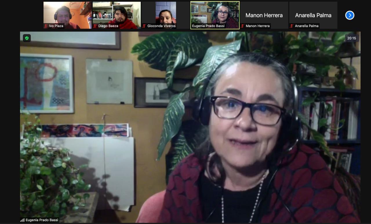 """Escritora nacional Eugenia Prado se reunió con vecinos de comuna de Calama mediante programa """"Diálogos en Movimiento"""""""