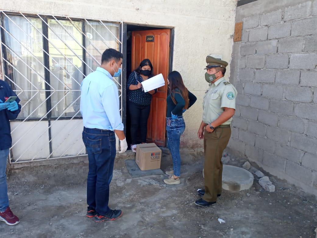 ENTREGA  DE CAJAS DE MERCADERIA  FAMILIAS SECTOR PONIENTE DE CALAMA