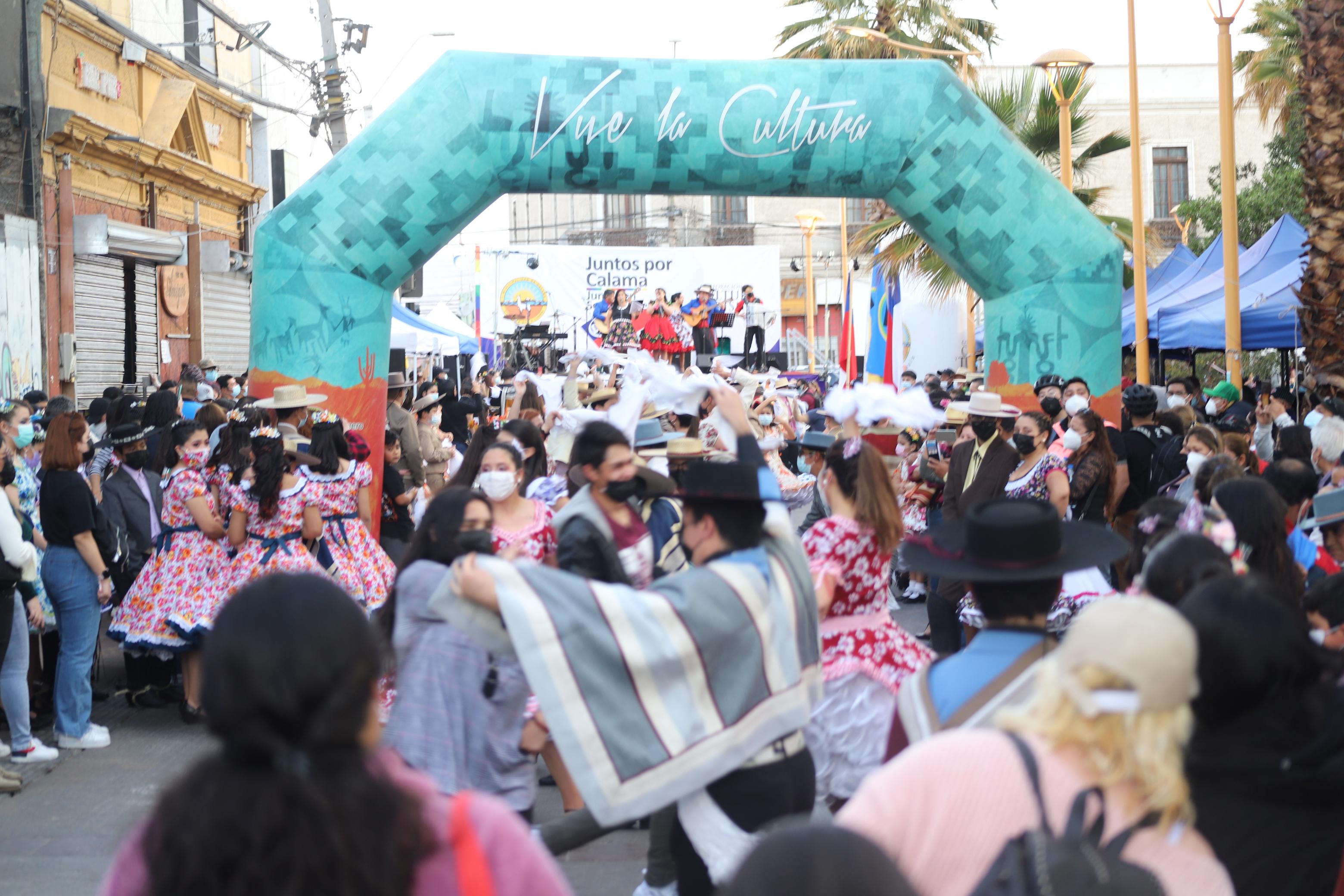 """Con intervenciones """"a la chilena"""" iniciaron celebraciones dieciocheras en Calama"""