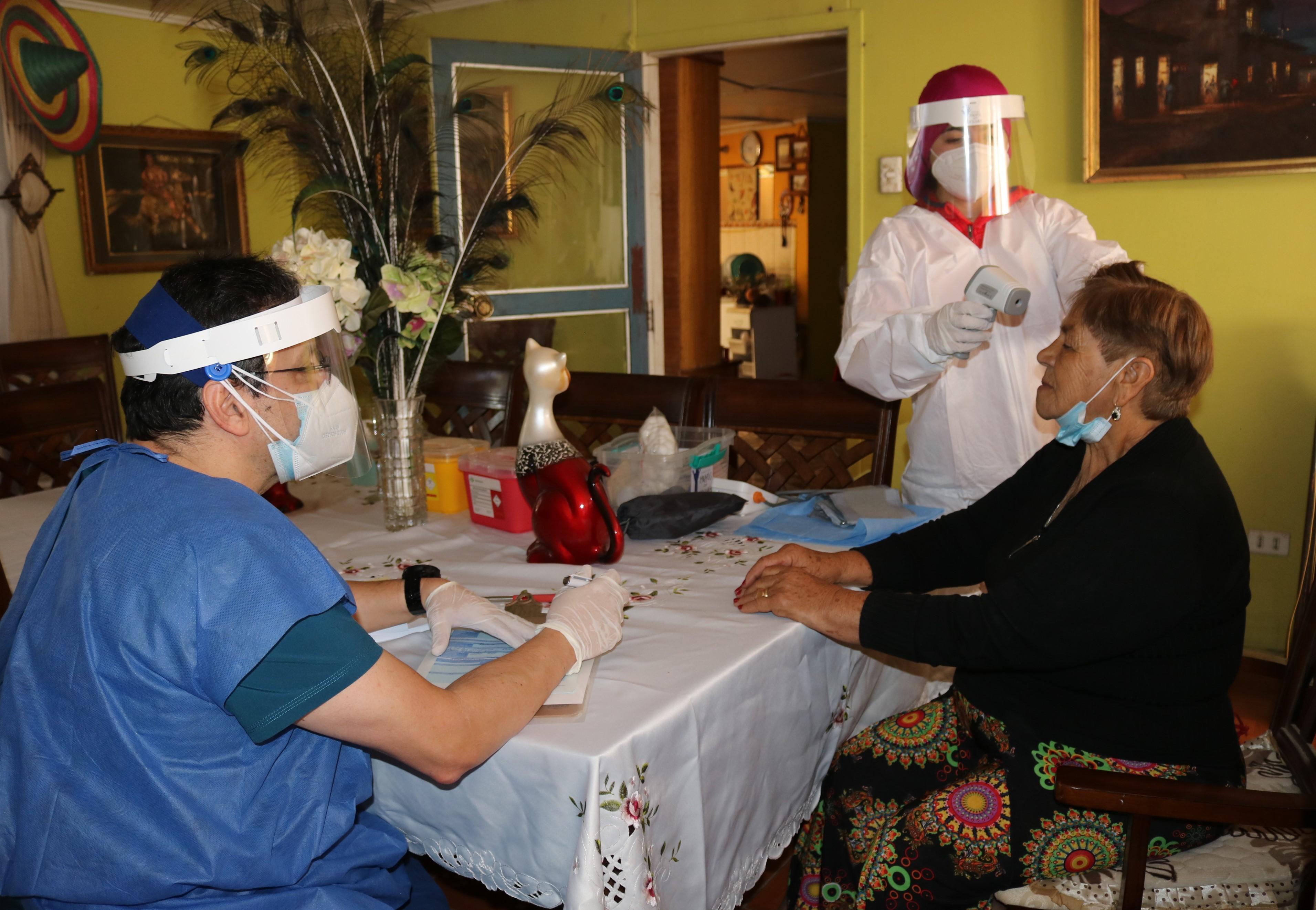 Agricultores de Calama reciben Operativo Médico