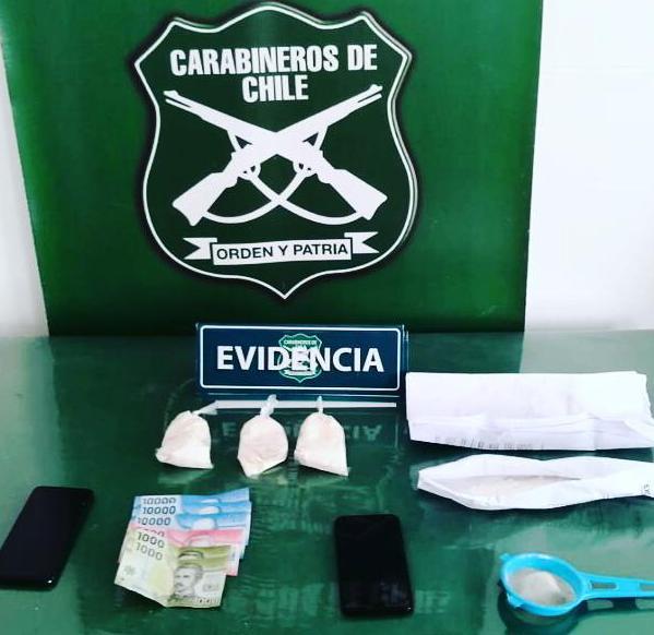 Dos mujeres detenidas con casi 1000 dosis de cocaína base