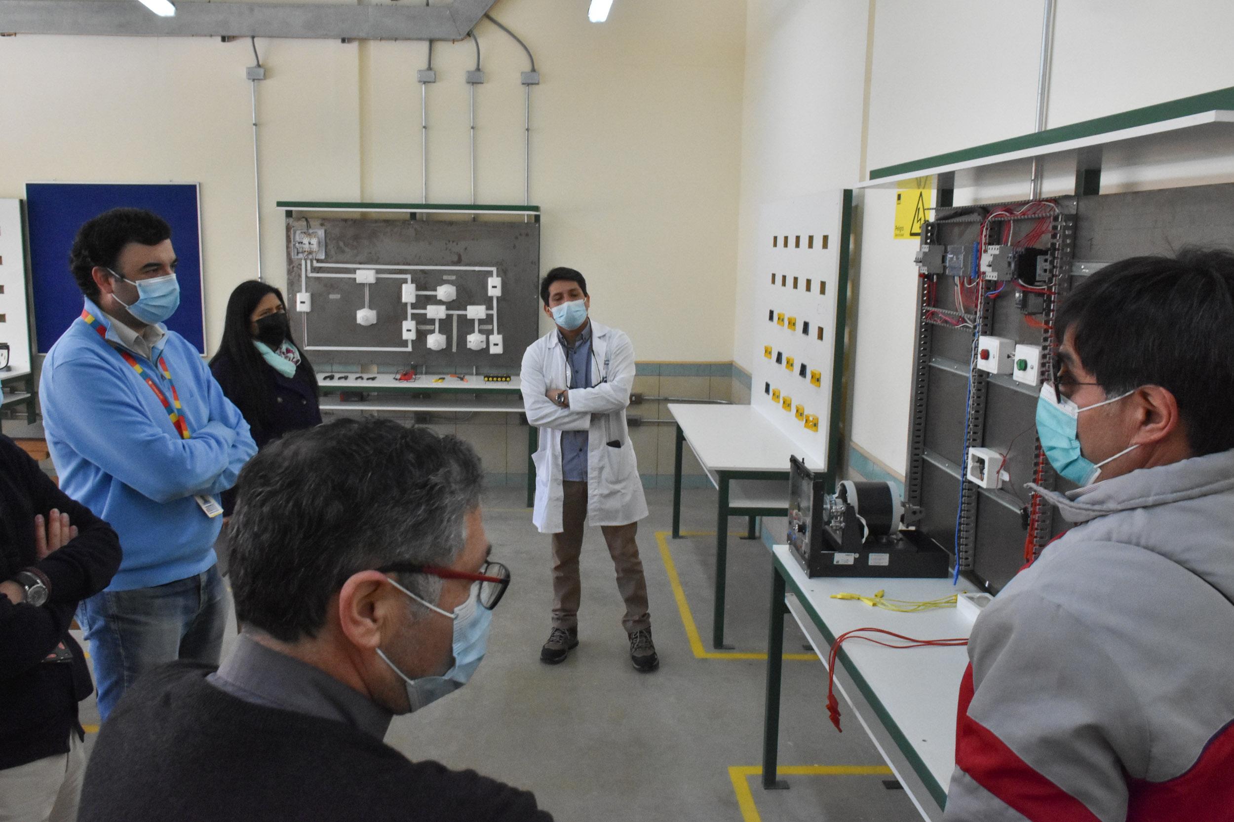 Codelco comprometió programa de colaboración en visita al Colegio Técnico Industrial Don Bosco de Calama