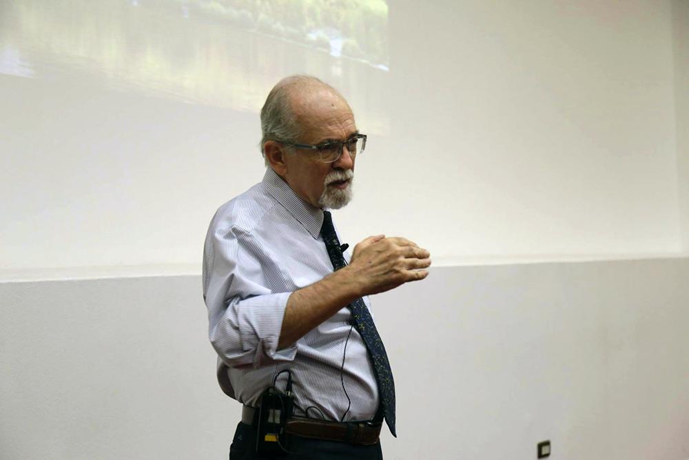 Astrónomo José Maza y geóloga Millarca Valenzuela realizarán charla online abierta a la comunidad